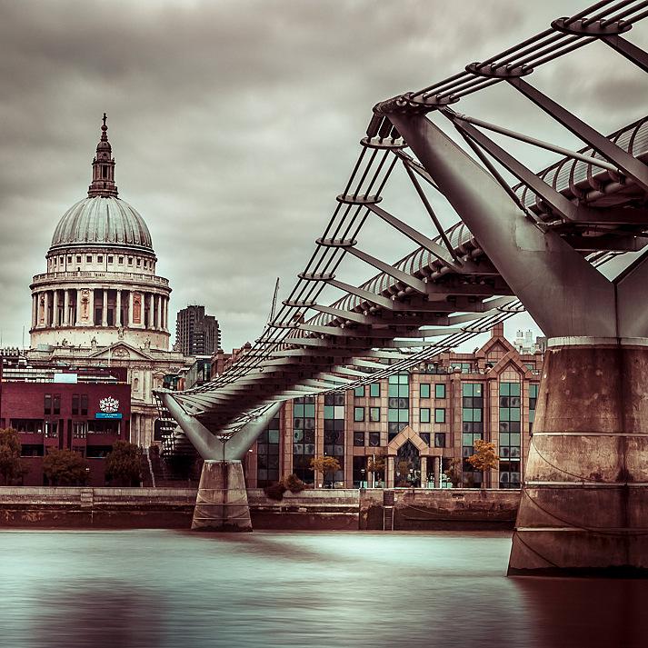 Bridge to St. Pauls by Assaf Frank