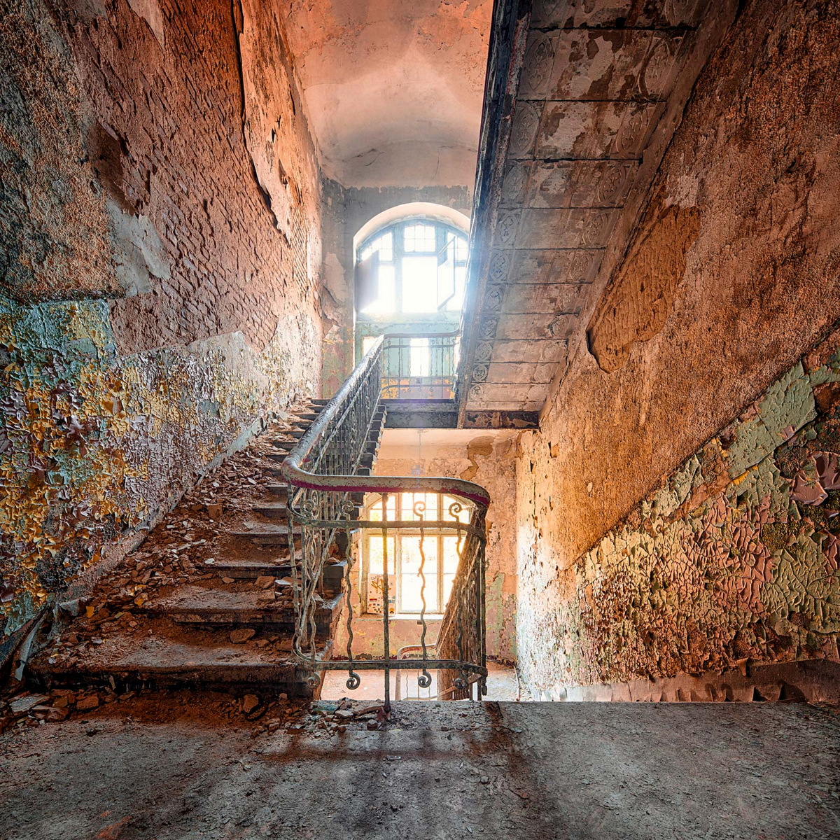 Decay series II by Markus Studtmann