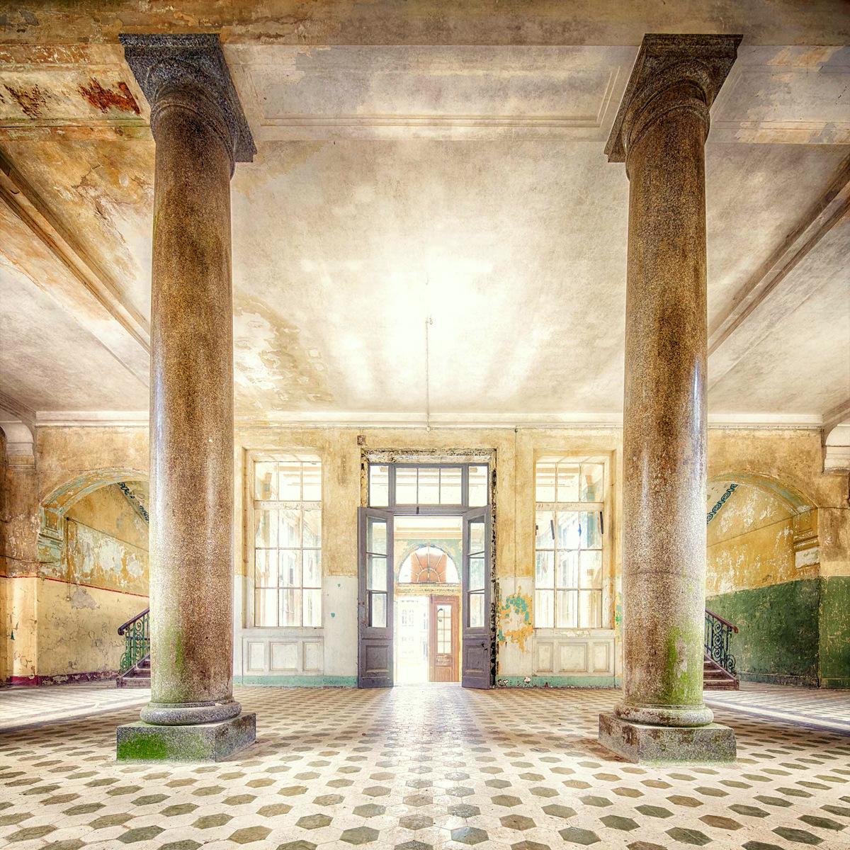 Decay series VI by Markus Studtmann