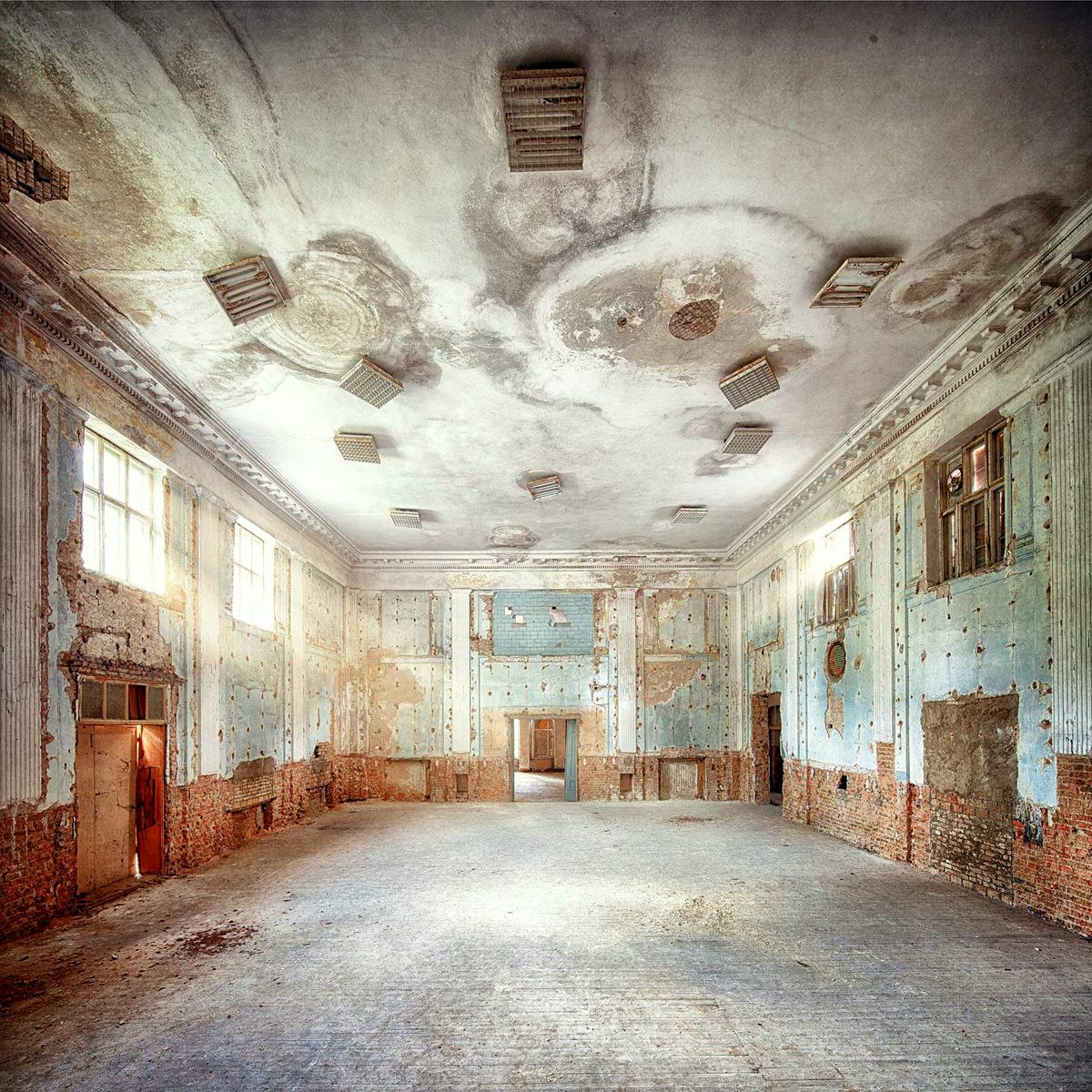 Abandoned I by Markus Studtmann